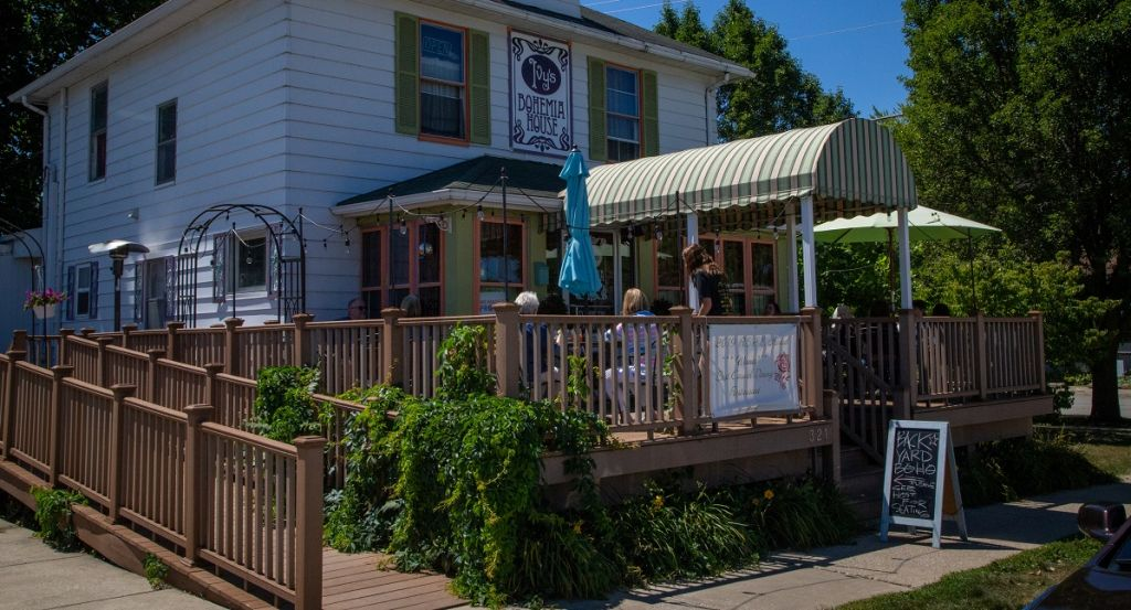 Ivy's Bohemia House -- outdoor dining